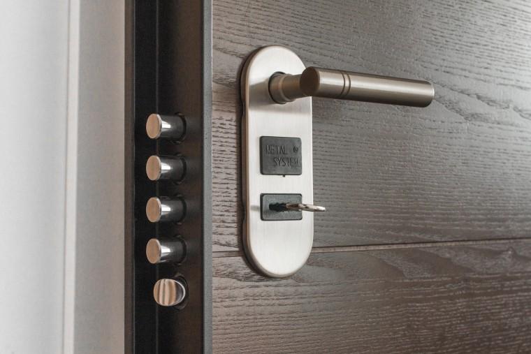 PVC DEUREN Buitendeur of voordeur plaatsen inbraakwerend